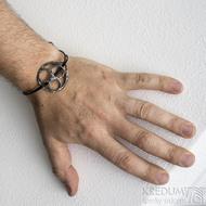 Layout one black - Kožený náramek s kovanou ozdobou (5)