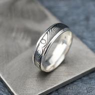 Luna - dřevo - Stříbrné snubní prsteny a damasteel - 53, šířka 5,5, tloušťka 1,6 mm, lept 100% TM, B - S1355 (4)