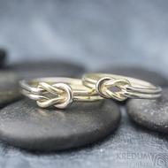 Marge duo - snubní prsteny žluté a bílé zlato -  velikost 58 síla drátku 1,5 mm a velikost 52,5, síla drátu 1,2 mm - K 1388 (2)