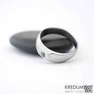 MiniAlane - čárky 50% světlý, velikost 50, do klínu 5,5 mm hlava 4 mm do dlaně + černý diamant 2,3 mm - Damasteel snubní prsten, et 1635 (4)