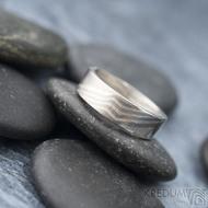 Mokume gane a diamant 2 mm - Stříbro + palladium - velikost 52, šířka 5,4 mm, tloušťka 1,4 mm, profil C - Zásnubní prsten, SK1789 (5)