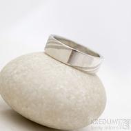 Mokume gane a diamant 2 mm - Stříbro + palladium - velikost 52, šířka 5,4 mm, tloušťka 1,4 mm, profil C - Zásnubní prsten, SK1789 (12)