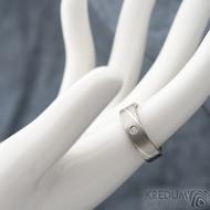 Mokume gane a diamant 2 mm - Stříbro + palladium - velikost 52, šířka 5,4 mm, tloušťka 1,4 mm, profil C - Zásnubní prsten, SK1789 (8)