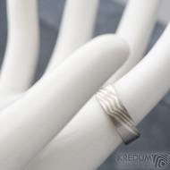 Mokume gane a diamant 2 mm - Stříbro + palladium - velikost 52, šířka 5,4 mm, tloušťka 1,4 mm, profil C - Zásnubní prsten, SK1789 (9)