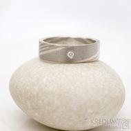 Mokume gane a diamant 2 mm - Stříbro + palladium - velikost 52, šířka 5,4 mm, tloušťka 1,4 mm, profil C - Zásnubní prsten, SK1789 (10)