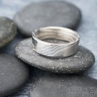 Mokume gane a diamant 2 mm - Stříbro + palladium - velikost 52, šířka 5,4 mm, tloušťka 1,4 mm, profil C - Zásnubní prsten, SK1789 (7)
