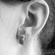 Kované damasteel naušnice - Moon, kolečka světlá - SK1661 - na uchu