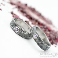 Natura a broušený ametyst 3 mm do Ag - vel 51 a 52, šířka 5 mm, lept extra zatmavený - Damasteel snubní prsteny
