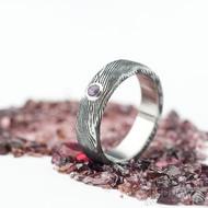Natura a broušený ametyst 3 mm do Ag - vel 52, šířka 5 mm, lept extra zatmavený - Damasteel snubní prsteny - k 1431 (2)