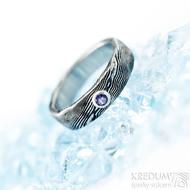 Natura a broušený ametyst 3 mm do Ag - vel 52, šířka 5 mm, lept extra zatmavený - Damasteel snubní prsteny
