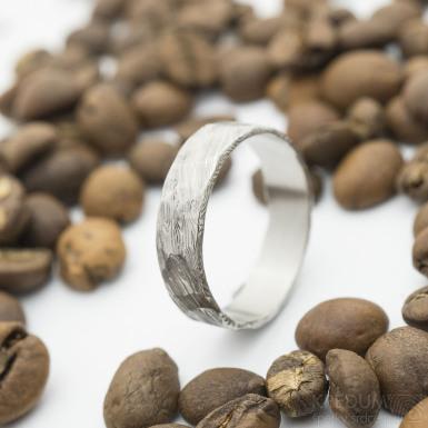 Natura, voda - velikost 64, šířka 6 mm, tloušťka slabá, lept světlý - Damasteel snubní prsten - sk2933 (5)