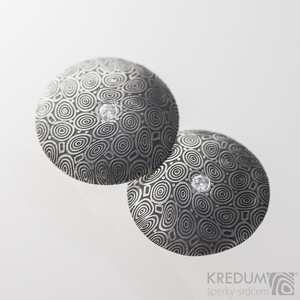 Puklík a diamant 2 mm - Kované damasteel náušnice, S2222