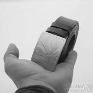Nerezová spona na opasek s fíkovým listem a kožený pásek, SK2503