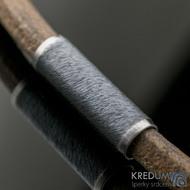 Kožený náhrdelník - Samuel hnědý - tmavý korálek s leštěnými okraji