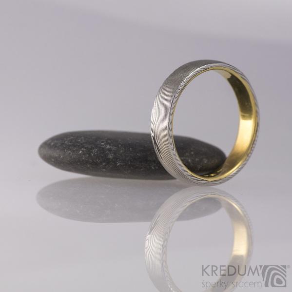 Orion yellow - dřevo - produkt číslo 1740 - Zlatý snubní prsten a damasteel