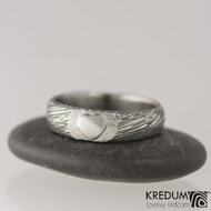 Prima se srdíčkem - voda - Snubní prsten damasteel
