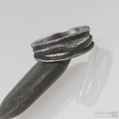 Pán vod, dřevo - 55,5 šířka do klínu 5 - 7,9 mm, tloušťka 1,8 mm, lept 100% TM, - Damasteel snubní prsteny, S1551 (3)
