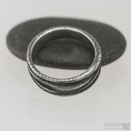 Pán vod, dřevo - 55,5 šířka do klínu 5 - 7,9 mm, tloušťka 1,8 mm, lept 100% TM, - Damasteel snubní prsteny, S1551 (4)