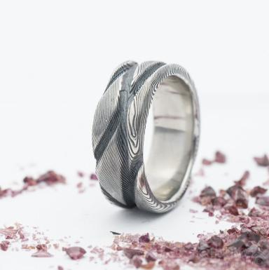 Pán vod, damasteel prsten struktura dřevo, velikost 61, šířka 8,5 mm, tloušťka až 2,5 mm - produkt SK2690