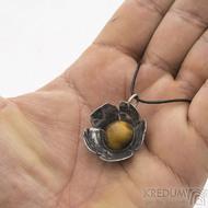 Pětilístek - nerezový kovaný přívěsek a tygří oko - produkt SK2582