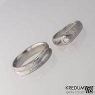 PRAMEN a Grada - Kovaný snubní prsten damasteel ve struktuře dřevo a kolečka