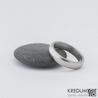 Prima kolečka - Kovaný snubní prsten z oceli damasteel, SK1283