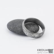 Prima 64 6,7 1,7 75% zatmavený - Damasteel snubní prsteny sk1282