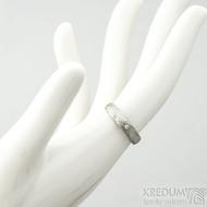 Prima a čirý diamant 1,5 mm, voda - 49, šířka 4 mm, tloušťka 13,6 mm, lept 75% SV, B - Damastele snubní prsteny, SK2117 (3)