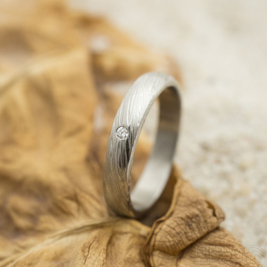 Prima a čirý diamant 1,5 mm zásnubní nebo snubní prsten damasteel, struktura voda, lept 50%, velikost 50, šířka 3,5 mm, slabý, profil B - produkt SK3160