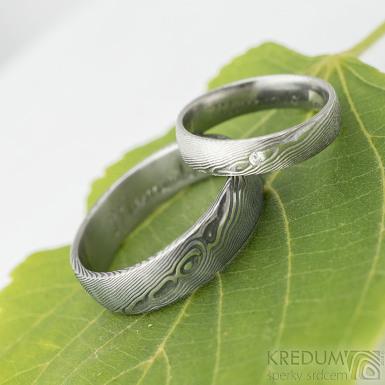 PRIMA + čirý diamant 1,7 mm - dřevo - snubní prsten kovaná nerezová ocel damasteel