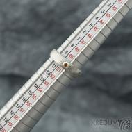Prima a ohnivý granát do Ag - vel 50, š 4,5 mm, tl. 1,6 mm, dřevo - lept 75% SV, profil E - Damasteel snubní prsteny - sk2060