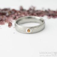 Prima a ohnivý granát do Ag - vel 50, š 4,5 mm, tl. 1,6 mm, dřevo - lept 75% SV, profil E - Damasteel snubní prsteny