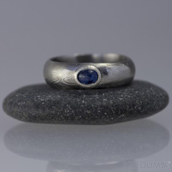 Prima a safír do Ag - Damasteel snubní prsten - velikost 48, šířka 5,5 mm, tloušťka 1,8 mm, profil A, lept 50% SV - s1347 (3)