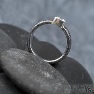 Prima Cube lady zirkon 4,5 mm - stará kolečka, velikost 52,5, šířka 4,6 mm, tloušťka 1,9 mm, lept 100% TM, profil B - Damasteel zásnubní prsten, SK1634 (15)