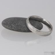 Snubní prsten damasteel Prima - dřevo lept 75% světlý, velikost 63/4,5 mm - profil B