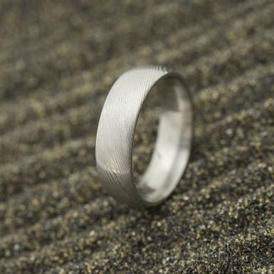 Prima - dřevo 20% světlé, profil E, velikost 56, šířka 5,9 mm, tloušťka 1,7 mm - Damasteel snubní prsten - sk2983