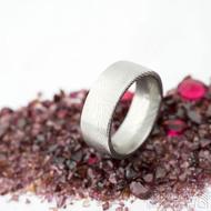Prima dřevo - 53,5, leptaný vnitřkem, šířka 7 mm, tloušťka 2 mm, lept 25% SV, F - Snubní prsten damasteel SK2114 (3)