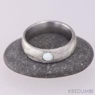 PRIMA a opál kabošon - Snubní prsten nerezová ocel damasteel - struktura dřevo