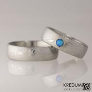 PRIMA a umělý opál kabošon - Snubní prsten nerezová ocel damasteel - struktura dřevo