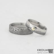 Prima duo a zlatý suk do 3 mm - 57, šířka 5 mm, dřevo 100% TM, E  a Prima - 60, šířka 6 mm, dřevo 100% TM, F - Damasteel snubní prsteny, k 0980