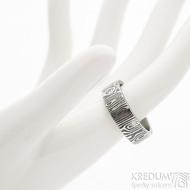 Prima Fenja - 61,5, šířka 7,1 mm, tloušťka 1,9 mm, lept 75% zatmavený, profil C - Damasteel snubní prsteny, sk2523