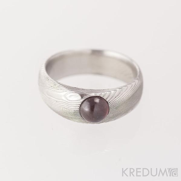 PRIMA a granát kabošon - Snubní prsten nerezová ocel damasteel- struktura dřevo