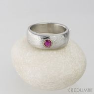 Zásnubní prsten damasteel - Prima a broušený kámen vel. do 2 mm ve zlatě, dřevo