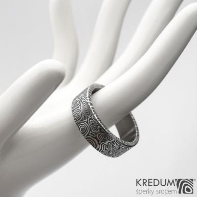 Prima kolečka - Kovaný snubní prsten z oceli damasteel, SK1281