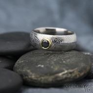 PRIMA a černý diamant 4,1 mm ve zlatě - kolečka - prsten kovaná nerezová ocel damasteel, SK1629