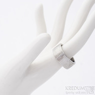 Prima kolečka - velikost 59,5, šířka 9 mm, tloušťka 2 mm, lept 75%světlý, C - Damasteel snubní prsten, sk2684