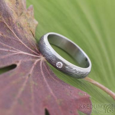 Prima line - voda a čirý diamant 2 mm - Snubní prsten kovaná nerezová ocel damasteel