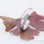 Prima line - voda a čirý diamant 2 mm - prsten kovaná nerezová ocel damasteel - SK2621