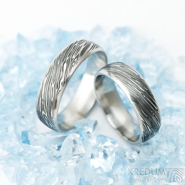 Prima line - voda - Snubní prsten kovaná nerezová ocel damasteel - šířka 5,5 mm