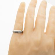 Prima line - damasteel zásnubní/snubní prsten, struktura voda, velikost 53, šířka 5 mm, lept 75% - zatmavený - produkt SK3042 - na umělé ruce